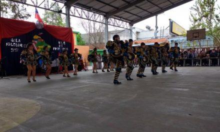 Alumnos del Liceo Alberto Blest Gana presentan su Gala Folklórica Integrada