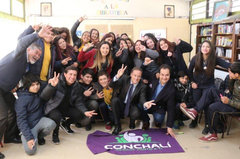 Inédita cátedra fue impartida en Liceo Poeta Federico García Lorca