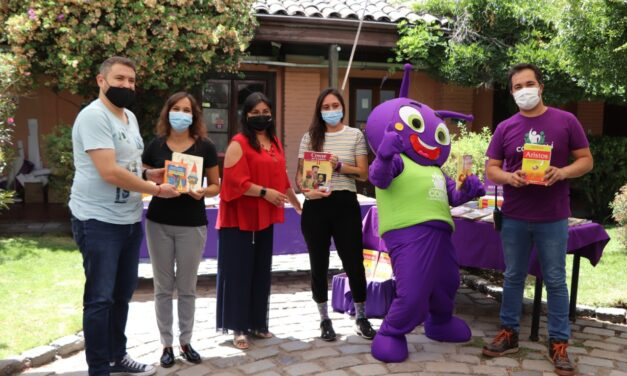 ALCALDE DE LA VEGA AGRADECE  EL APORTE DE TEXTOS PARA CENTROS EDUCACIONALES